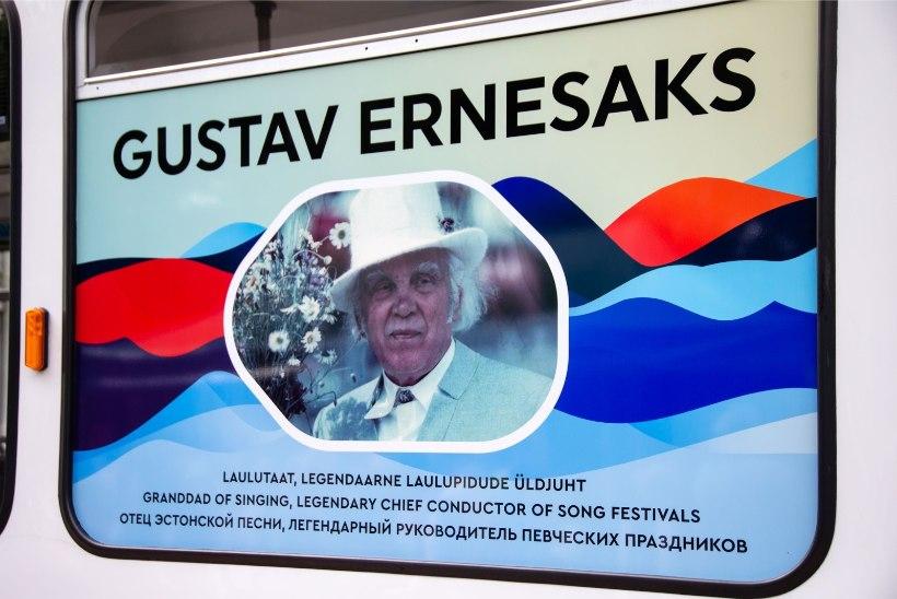 GALERII | Gustav Ernesaks sai laulupeo eel nimelise trammi