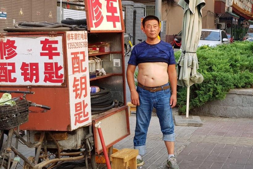 """TSIVILISEERIMATU STIIL: Hiina linn keelas avalikkuses """"Pekingi bikiinid"""""""