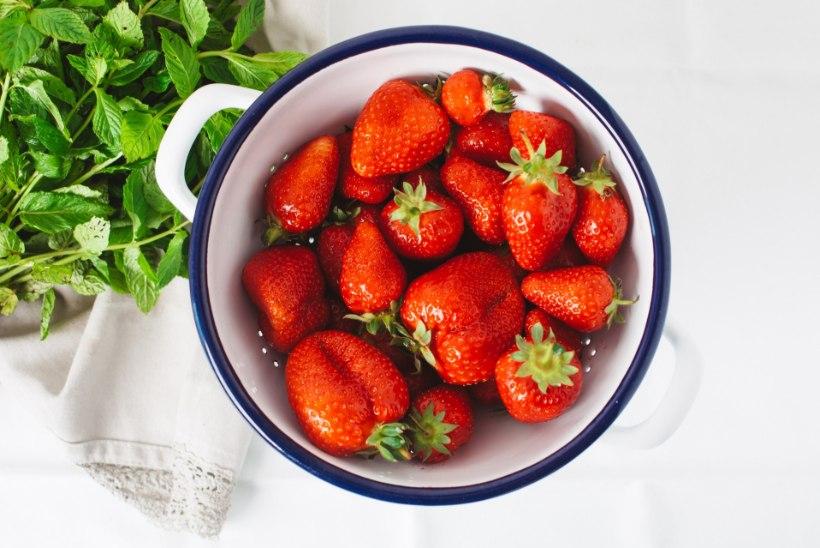 Klaarim ja värskem jume piparmündi-maasika näomaskiga!
