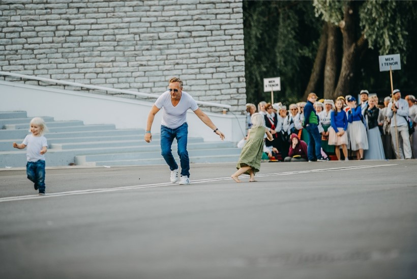 FOTOD | Ants Lusti ja Veronika Portsmuthi lapsed lõbutsesid laulupeol