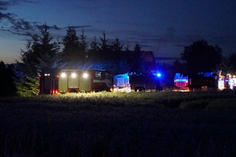 FOTOD | Päästjad käisid Järva vallas elumaja kustutamas