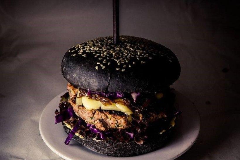 Tallinnas toimub mustale toidule pühendatud festival