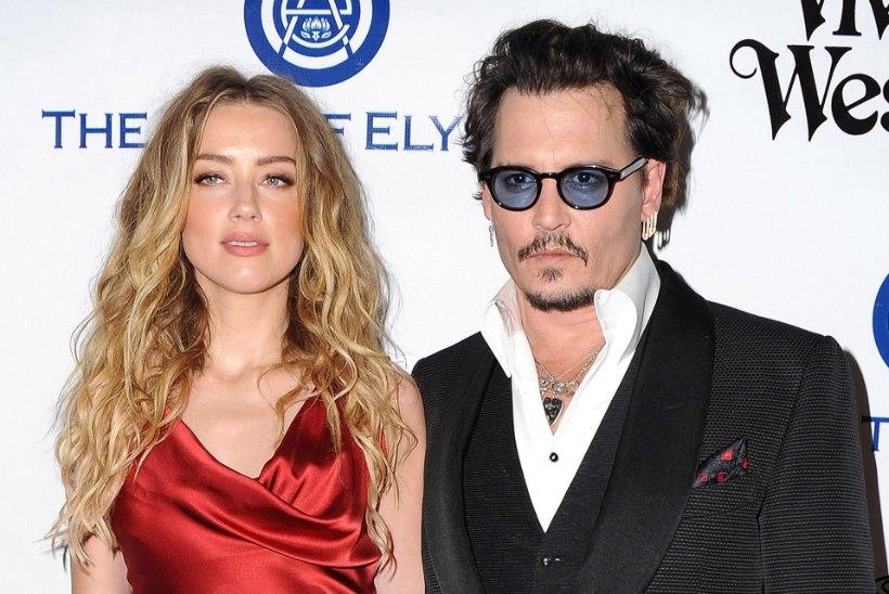 Depp väidab, et eksabikaasa kustutas sigareti tema näkku