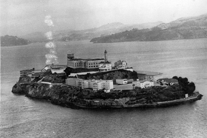 MINEVIKUHETK | 11. august: Alcatrazi saarel avati kurikuulus föderaalvangla