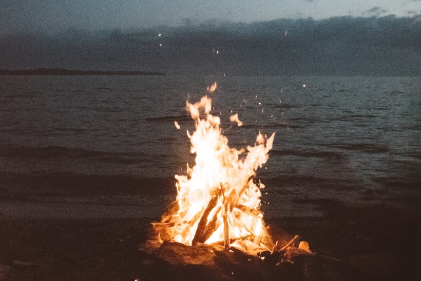 LUGEJA KÜSIB | Kuidas muinastulede ööl ohutult lõket teha?
