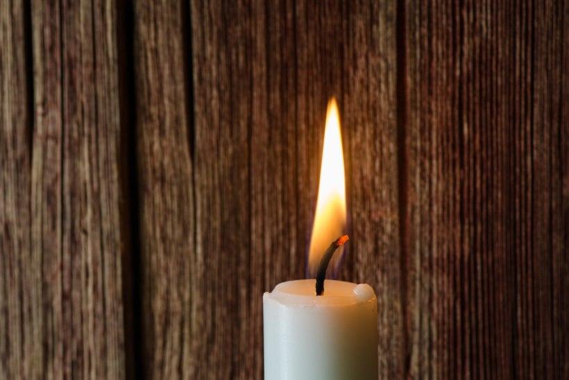 Vorbuse külas liinibussi ja auto liiklusõnnetusse sattunud noormees suri haiglas