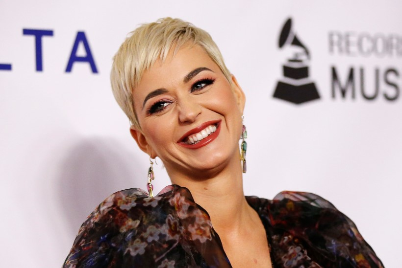 Modell süüdistab Katy Perryt ahistamises: ta tõmbas mu püksid alla peokülaliste silme ees