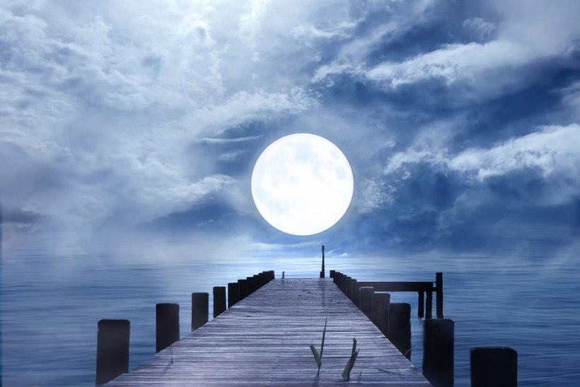 """NELJAPÄEVAL HIILGAB TAEVAS ERITI MAAGILINE TÄISKUU. """"Hea Kuu, too mulle rikkust, täida mind tervisega – nii on ja nii jääb!"""""""