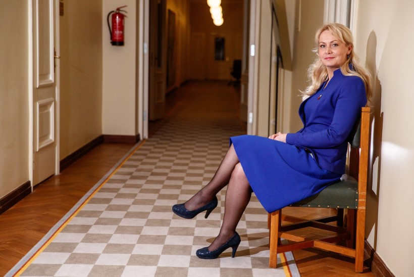 Minister Riina Solman: ka noored linnapered vajavad kodu soetamisel abi