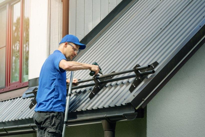 Värvimine ja regulaarne hooldus kaitseb katust ning annab sellele värskema ilme