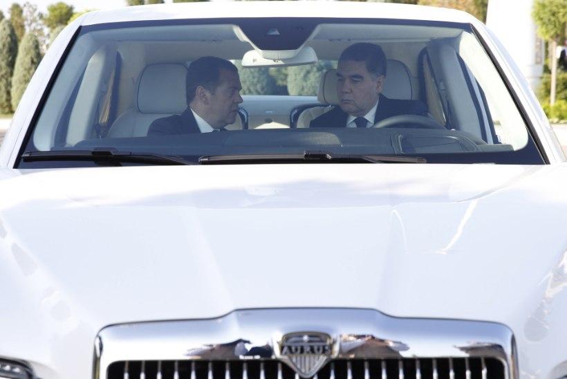 Pikka aega kadunud olnud Türkmenistani president ilmutas end