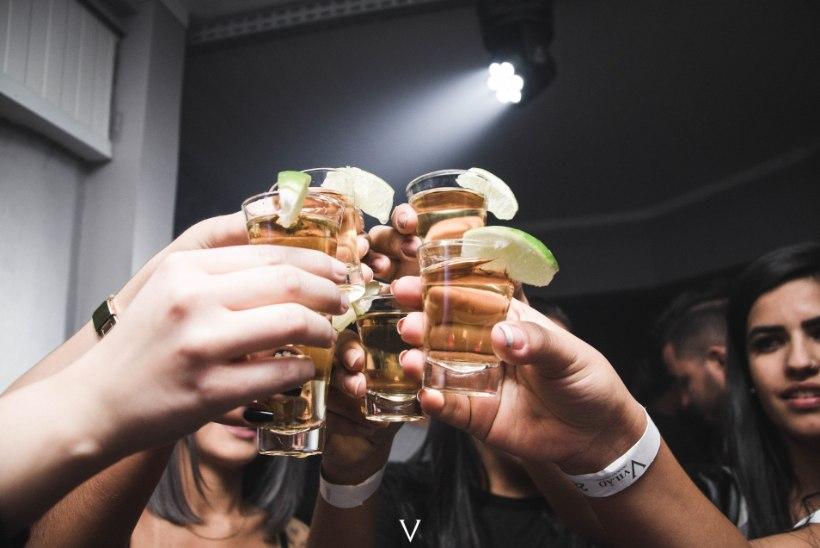 MAKSATSIRROOS ÄHVARDAB! Haigus on tõenäoline, kui elu jooksul juua selline kogus alkoholi