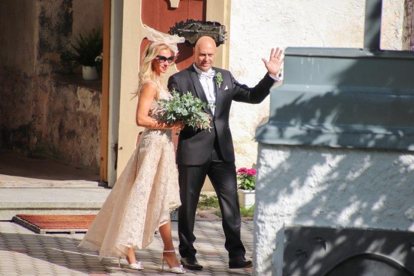 EKSKLUSIIVGALERII | Kristina Viirpalu pulmapeost: pruudiröövi ei toimunud, selle välistasime kohe