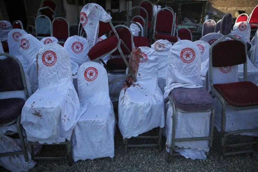 GALERII   Kabulis hukkus pulmapeol pommiplahvatuses 63 inimest