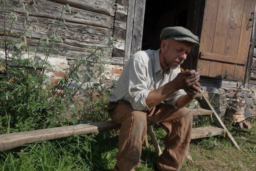 """GALERII   Uued Tootsid-Teeled: vaata pildigaleriid Oskar Lutsu """"Talve"""" filmivõtetelt"""