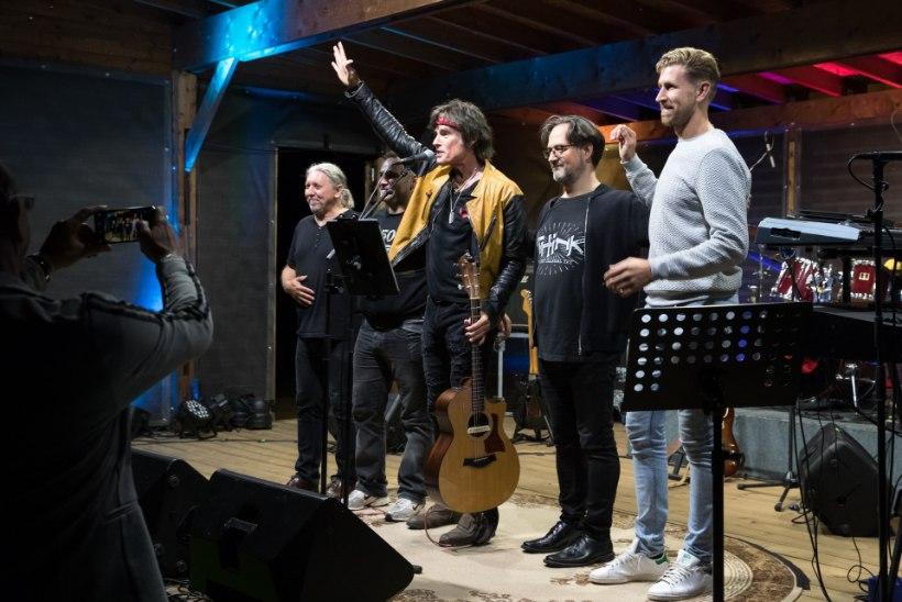 GALERII   Ronn Moss andis taas Eestis kontserdi
