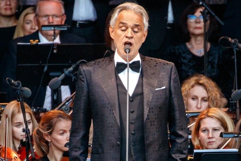 Möödarääkimine! Turvatöötaja ei lubanud ratastoolis tüdrukut Bocelli kontserdil lava ette