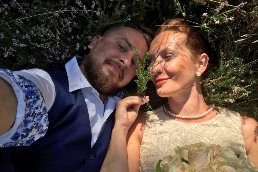 Siim Rikker abiellus kallimaga: ta on Kihnu naise väega maailma ilusaim printsess