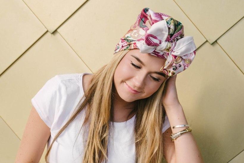 ILU | Hüvasti, halva soengu päev! 8 lahedat ideed, kuidas siidisall soengusse sättida