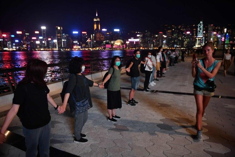 VIDEO | BALTI KETT 30 | Hongkongi rahvas korraldab Balti riikidest inspireerituna samuti inimketi