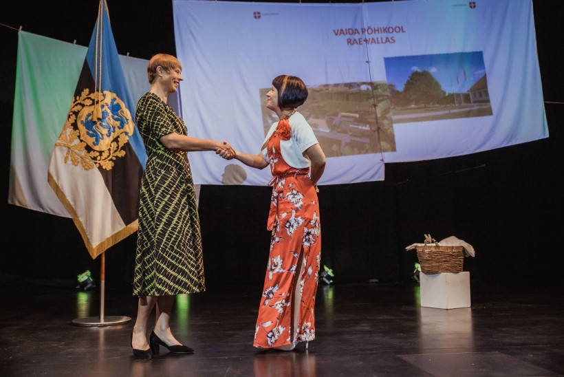President Kaljulaid andis üle auhinnad Eesti kaunimatele kodudele