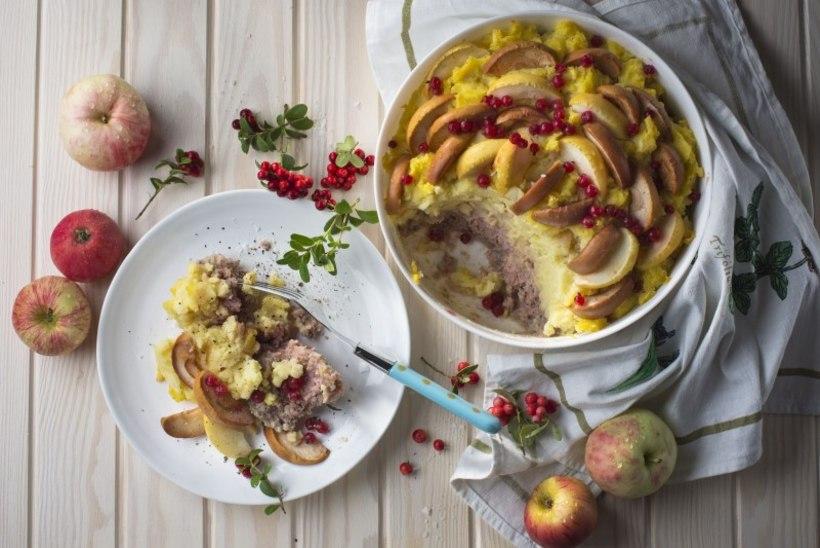 Hakkliha-kartulipudruvorm õunte ja pohladega