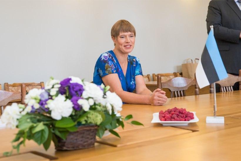 GALERII | Kersti Kaljulaid alustas tööd Kagu-Eestis