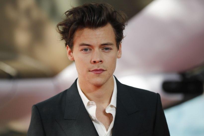 Harry Styles hammustas narkolaksu all endal keeleotsa ära