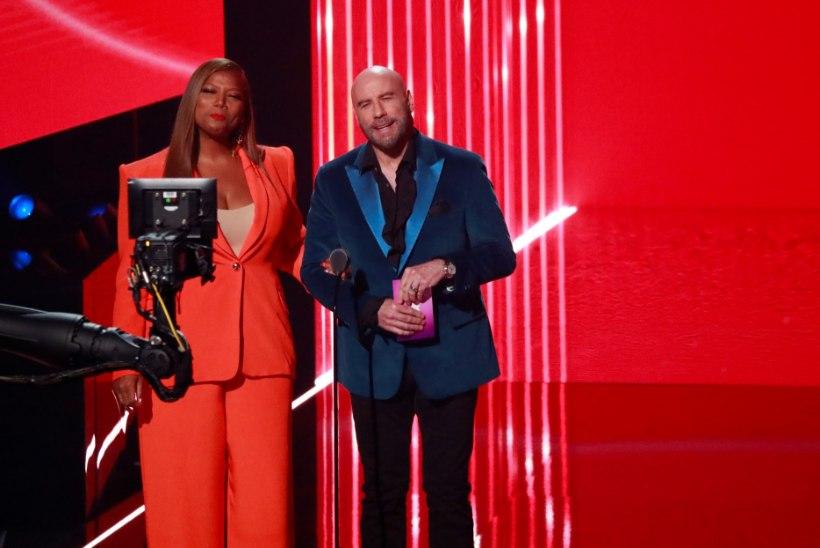 Travolta andis MTV galal Taylor Swifti auhinna kogemata drag-artistile!