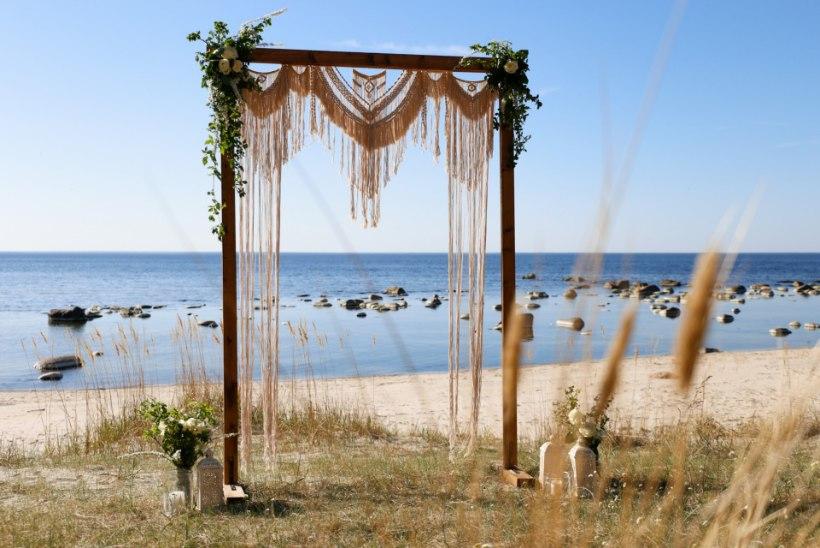 Pulmatrendid 2019: rustikaalsete ja maalähedaste pidude kõrvale on tulnud boho-stiilis pulmad