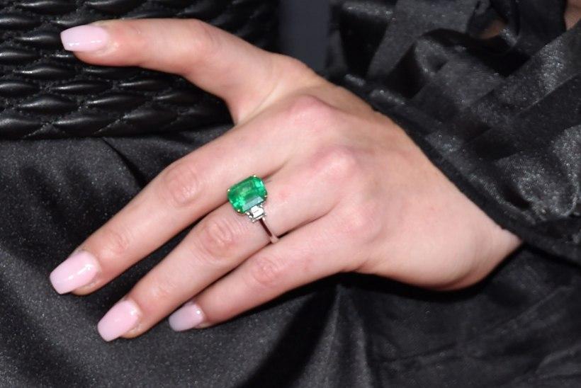 FOTO | Vaata, kui kalli sõrmusega kositi üks maailma kauneimaid naissportlasi