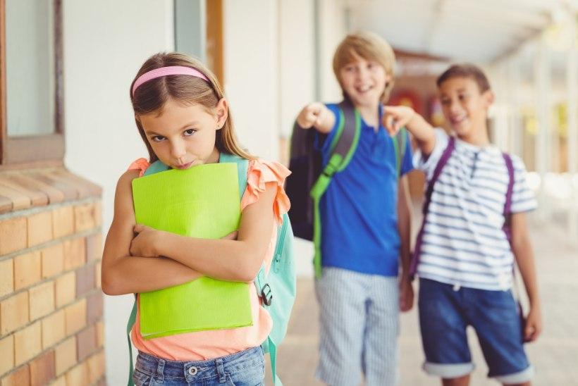 VÕÕRAVAEN: Inglise lapsed kiusavad Ida-Euroopast pärit õpilasi