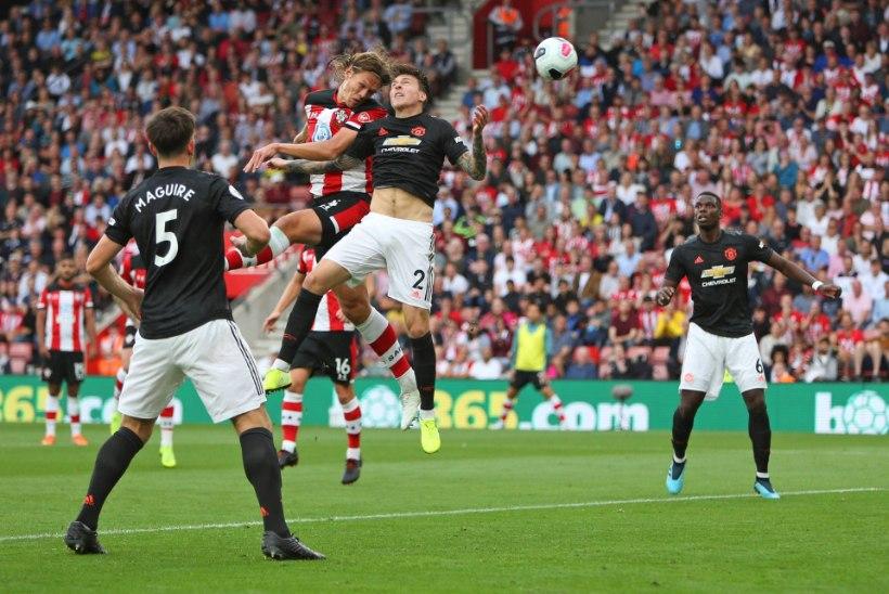 Manchester United kaotas kolmandat mängu järjest punkte