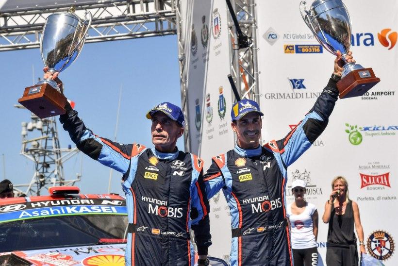 Hyundai jätab Saksamaa ralliks Loeb'i pingile, võimaluse saab Sardiinias säranud hispaanlane
