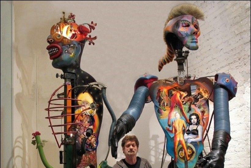 Pärnusse jõudev Hiina kunstnik: kodumaal on politsei korduvalt tunginud minu näitusele, lõiganud läbi elektrijuhtmed ja veetorud