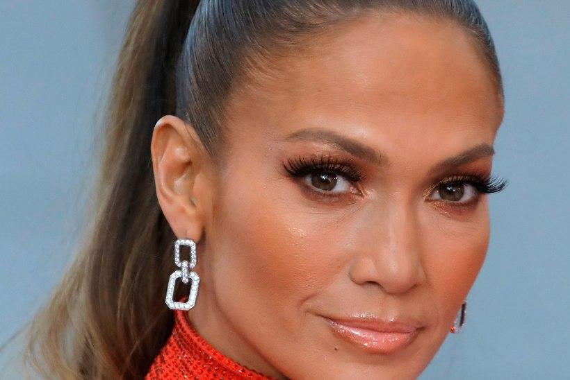 STAARISTIIL |  Millist huulepulka eelistab Jennifer Lopez?