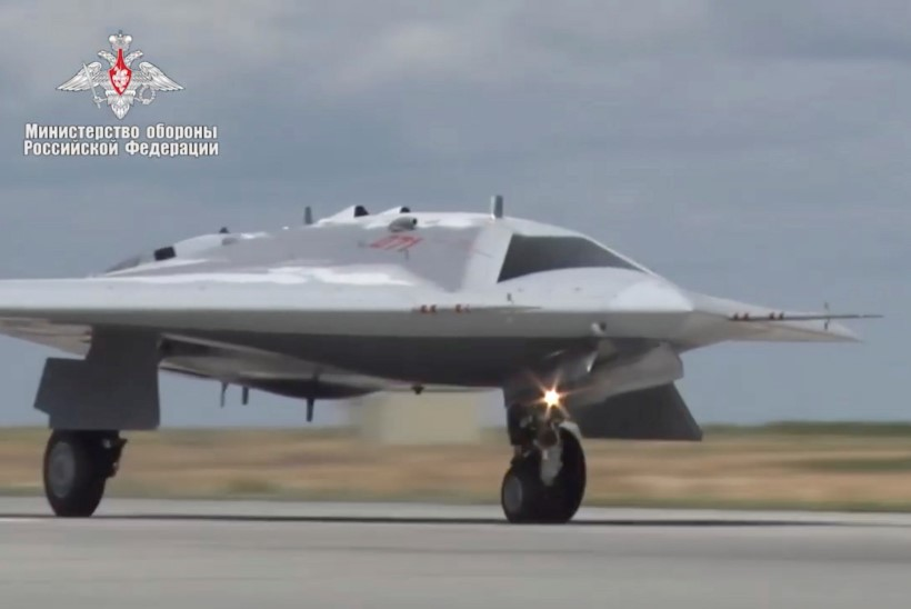 VIDEO | Vene uus rünnakudroon tegi esimese ametliku lennu