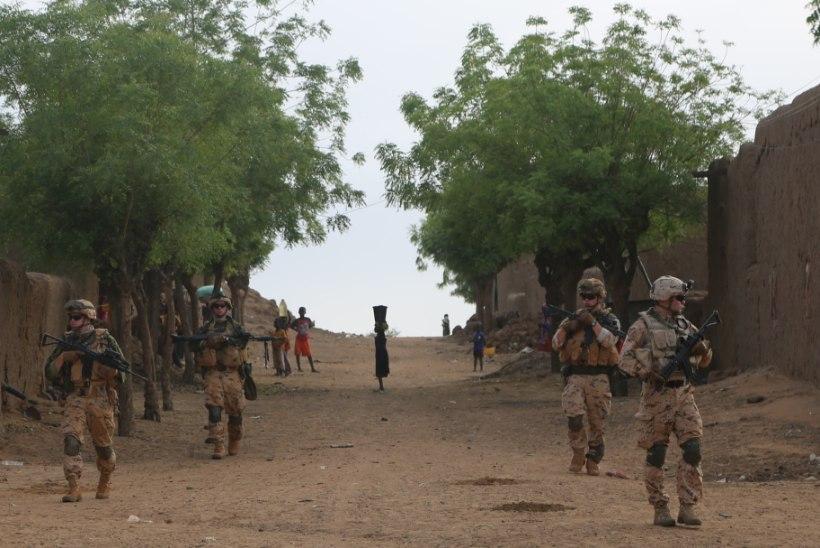Malis alustas teenistust uus Eesti jalaväerühm