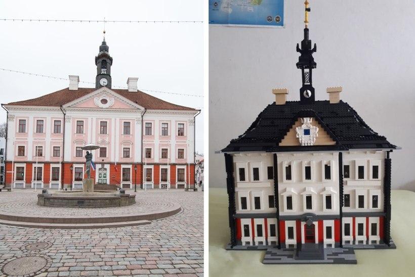 ARHITEKTUURIPÄRL: noormees ehitas 50 tunniga legodest Tartu raekoja