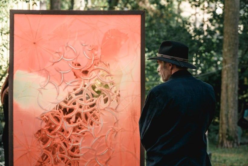 GALERII | Klaasikunstnik Ivo Lill saadeti täna viimsele teekonnale