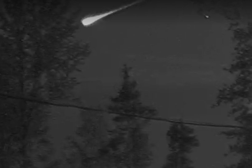 VIDEO | Eestis nähti langemas meteoori