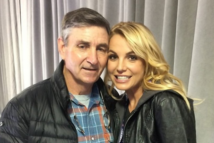 Isa loobus Britney Spearsi eestkostja rollist