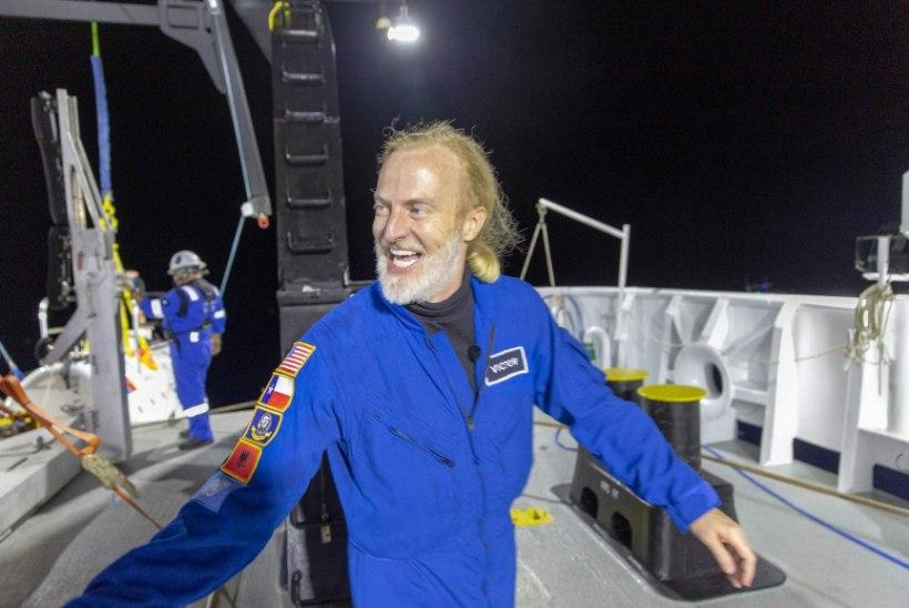 USA seiklusrändur vallutas kõik ookeanisügavused