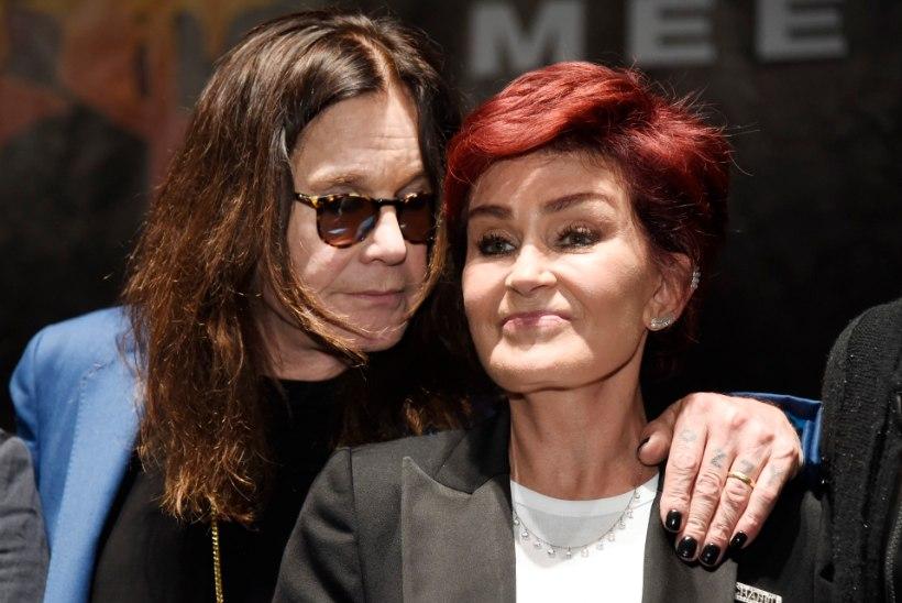Sharon Osbourne demonstreeris neljanda näolõikuse tulemust