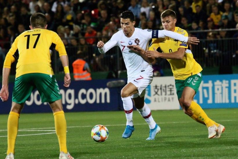 HULL MEES! Ronaldo kostitas Leedut nelja väravaga