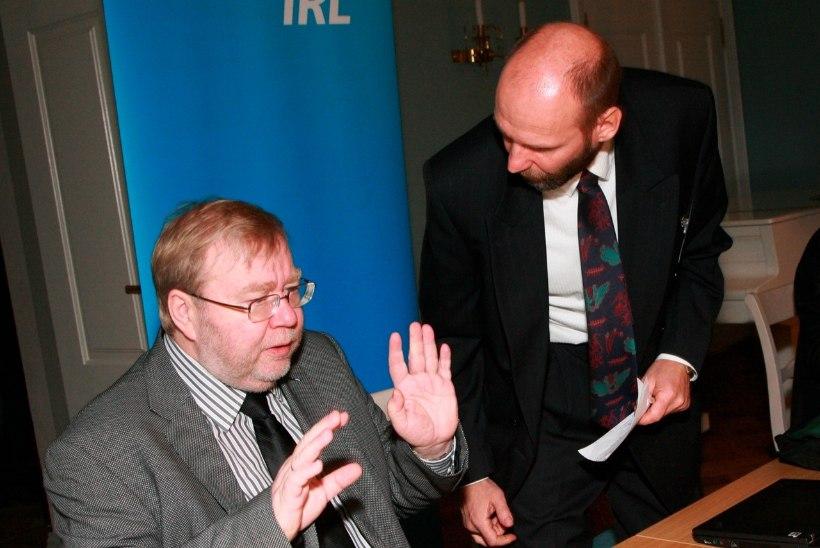 Küsimus | Miks Isamaa ründab Eesti Panka, kui selle nõukogu juhib erakonna auesimees Mart Laar?