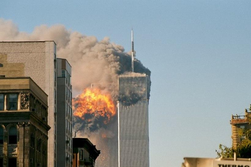 MINEVIKUHETK | 11. september: al-Qaida terroristid ründasid Ameerika Ühendriike