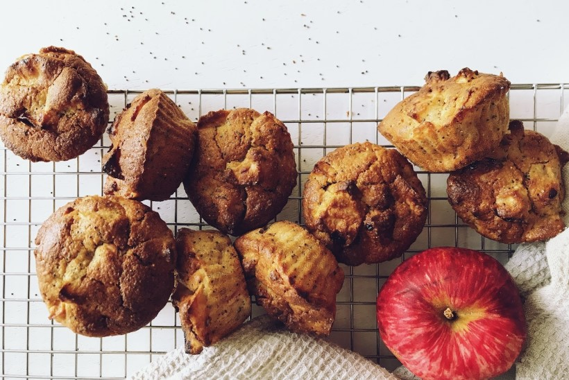 Sügisesed maitsed: kodused õunamuffinid mooniseemnetega