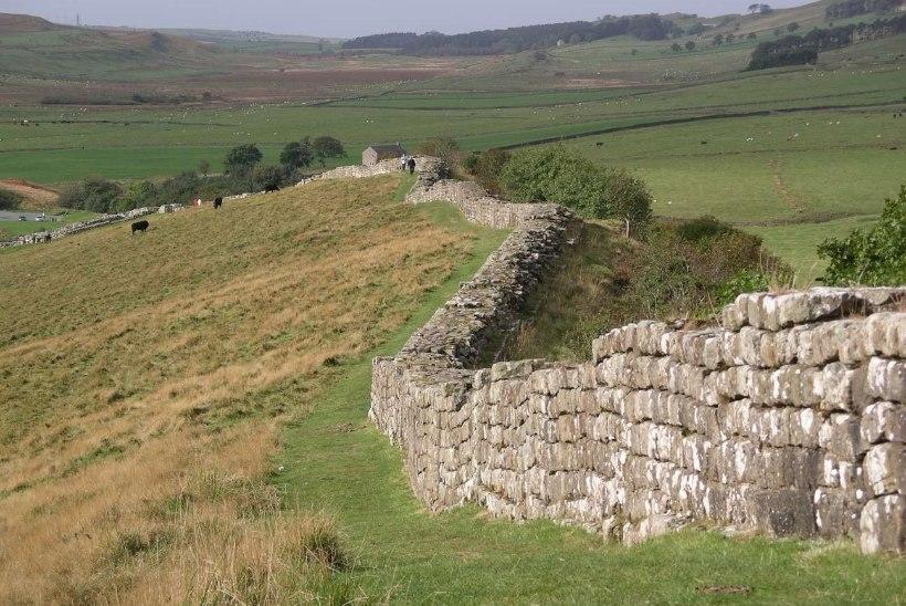 MINEVIKUHETK | 13. september: keiser Hadrianus rajas Britanniasse hiiglasliku müüri