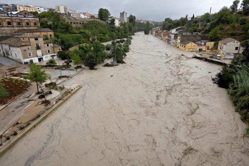 VIDEO   HIRMSAD VIHMAHOOD: Hispaania üleujutustes hukkus kaks inimest